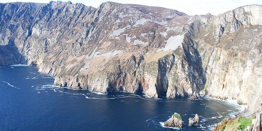 sliabh-liag-cliffs-donegal-hiking-irelandways