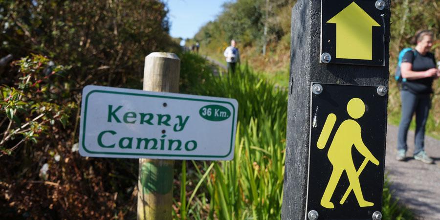 hiking-in-ireland-sign-irelandways.com