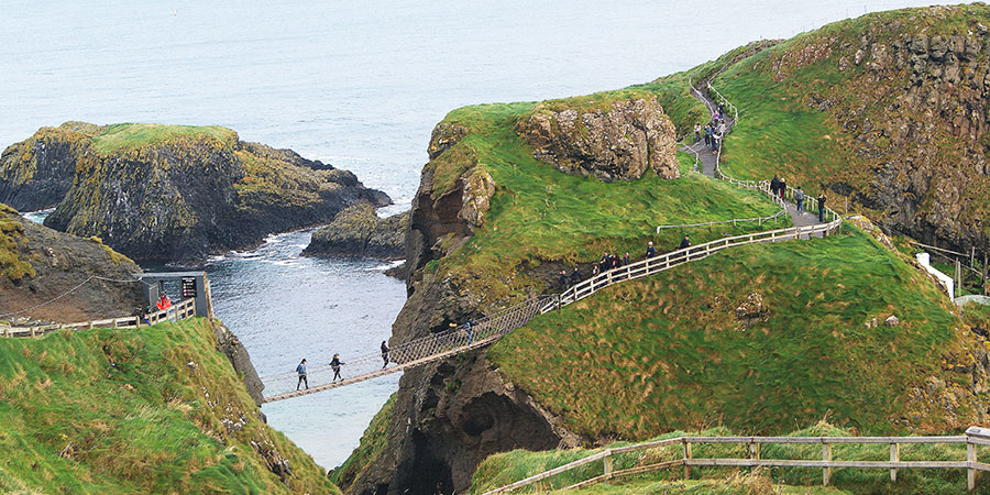 Carrick-a-Rede-rope-bridge-causeway-hiking-irelandways
