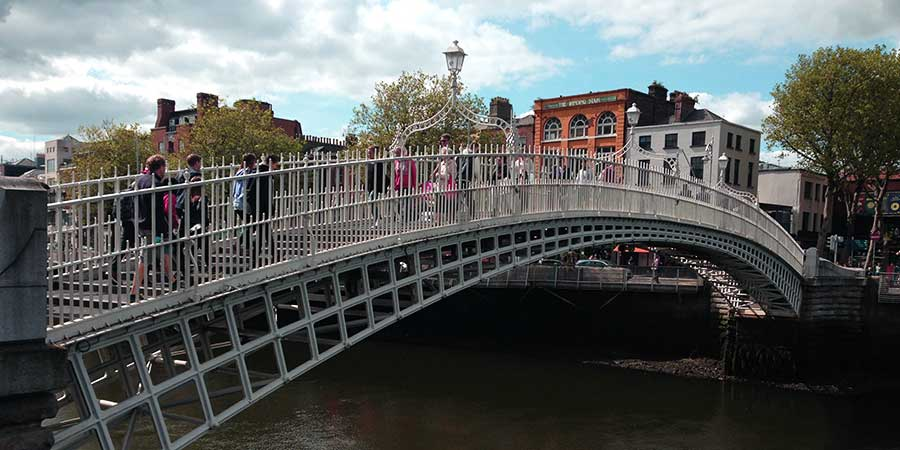 ha-penny-bridge-dublin-city-things-to-do-ireland
