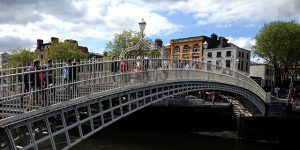 dublin-hapenny-bridge-wicklow-way-walking-ireland-ways