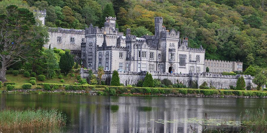 kylemore-abbey-connemara-irelandways