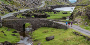 ring-of-kerry-walkers-hiking-in-ireland-ways