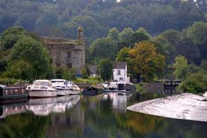 hiking-barrow-way-boats-walking-ireland-ways
