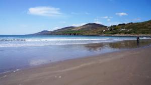 inch-beach-kerry-camino-dingle-way-walking-wild-atlantic-way-ireland-ways