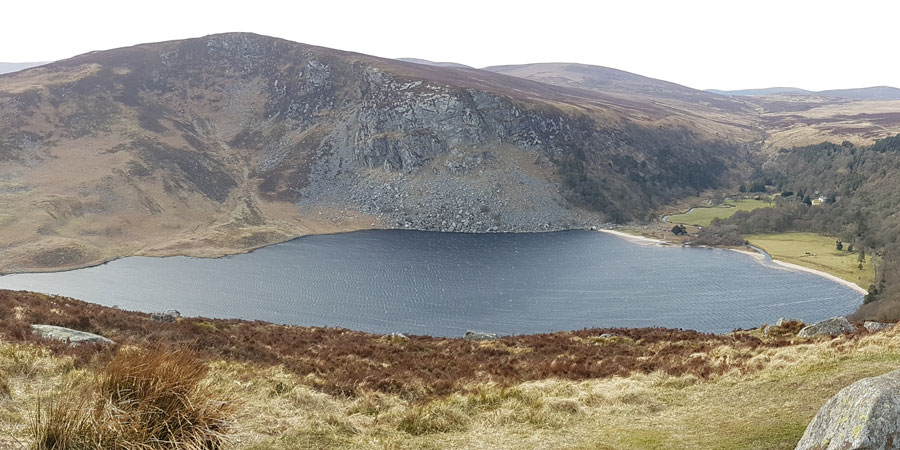 lough-tay-views-wicklow-way-hikes-in-ireland-ways