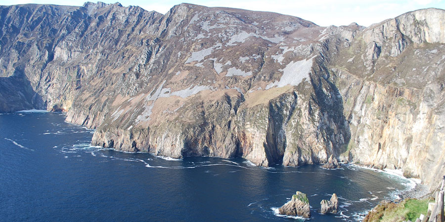 sliabh-seacliffs-donegal-hiking-irelandways