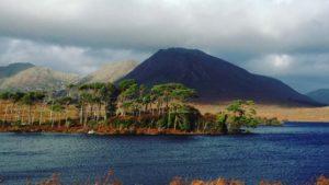 wild-atlantic-way-connemara-view-cycling-ireland-ways
